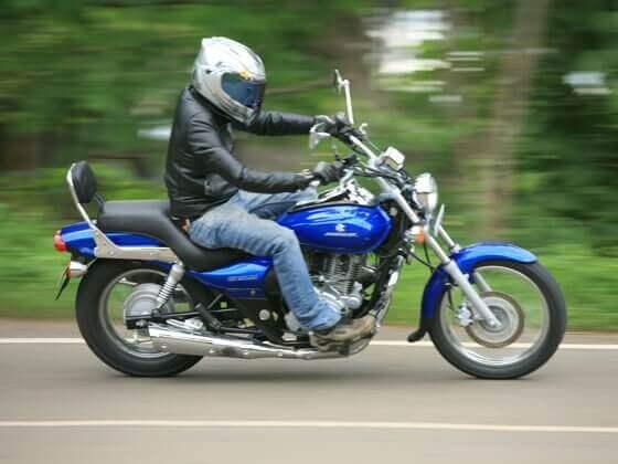 индийский мотоцикл Avenger 220 Street