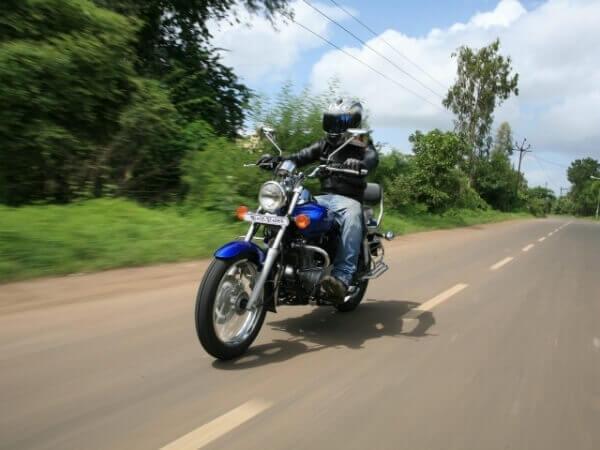 мотоцикл Bajaj avenger 220 фото